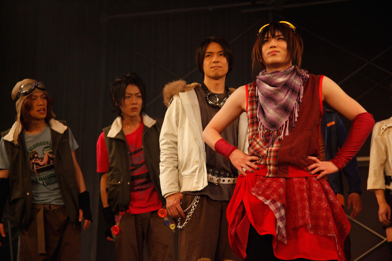 左から小野賢章、服部翼、早乙女じょうじ、紅葉美緒