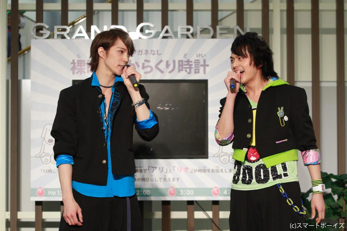テニミュの先輩後輩でもある浜尾京介(左)と小林豊