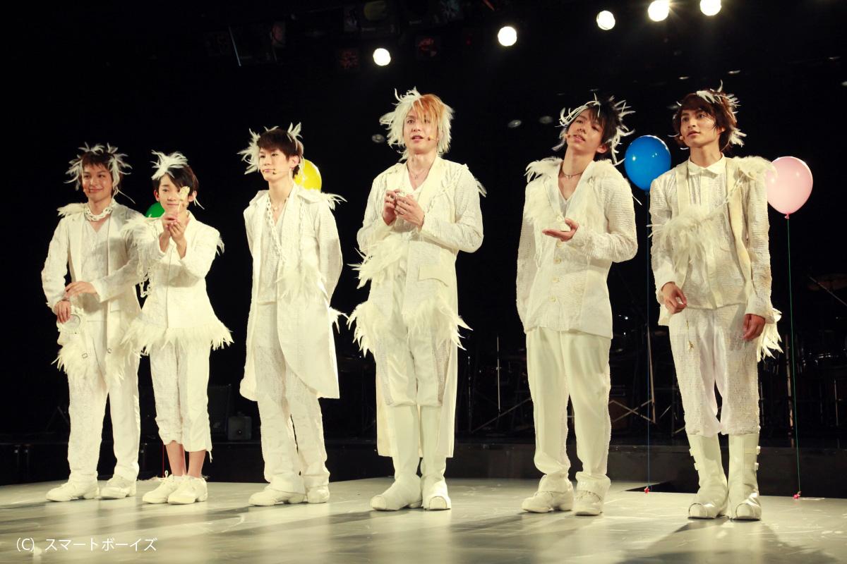 左から海宝直人、石川新太、小野田龍之介、大山真志、長倉正明、矢田悠祐。