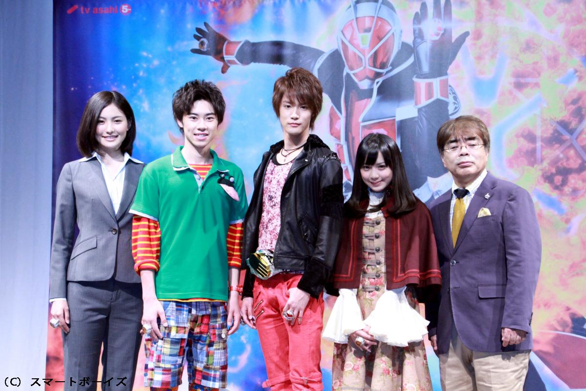 (左より)高山侑子、戸塚純貴、白石隼也、鬼龍院翔、奥仲真琴、小倉久寛