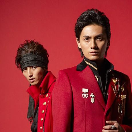 10/10リリース、JOKER 2ndシングル『Rolling Life』イメージショット(右・加藤和樹、左・伊達幸志)