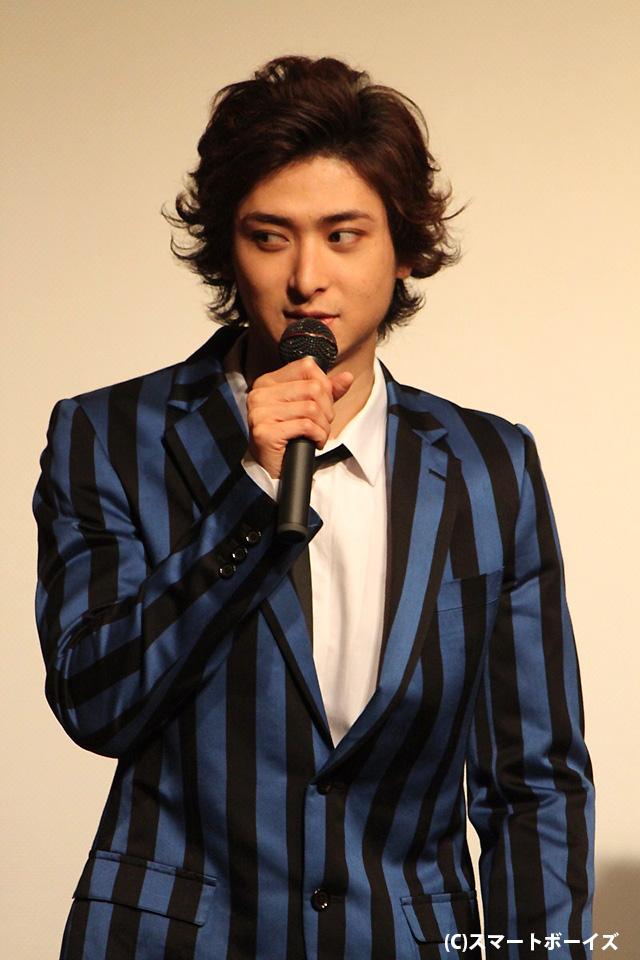 俳優志望の人々を監禁し、恐怖のワークショップを仕掛ける謎のMC役を演じた古川雄大さん
