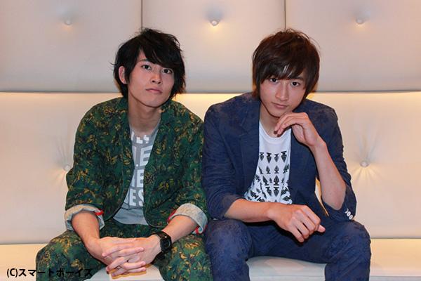小関裕太さん(右)と平埜生成さん