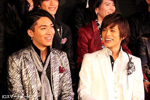 山本さん(右)と松下さん。いまはにこやかでも、指名競争でストーリーが変わるだけに、本番はガチンコ必至です!