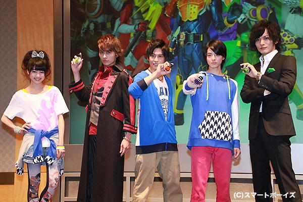 会見画像 左から志田友美さん、小林豊さん、佐野岳さん、高杉真宙さん、久保田悠来さん