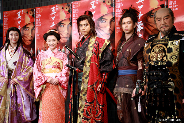 (左より)賀来千賀子さん、倉科カナさん、上川隆也さん、柳下大さん、里見浩太朗さん