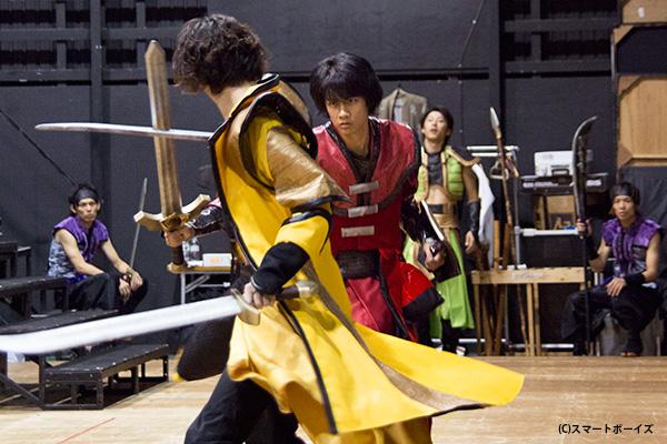 劇中劇の戦いと、役者たちの人生の戦いがリンクし、観る人の心に突き刺さります!