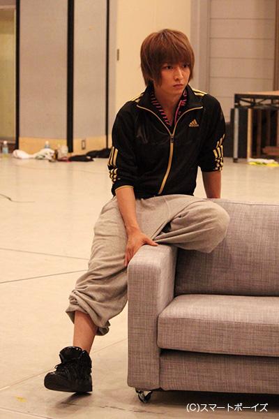 芳子の幼馴染で後に夫となる満州国の軍人・カンジュルジャブと死神の2役を演じる佐々木喜英さん。