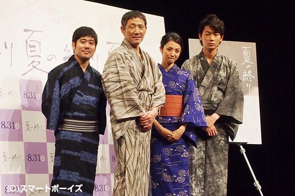 (左から)熊切和嘉監督、小林薫さん、満島ひかりさん、綾野剛さん