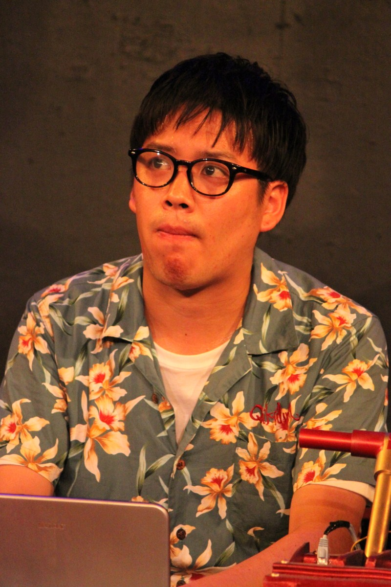 鵜木光明(ウノキ・ミツアキ)役の長尾卓也さん。矢口と同じく多摩川学院大学理学部物理学科の学生で、下丸子教授のゼミ生。明るく陽気で人当たりのいい男。