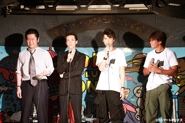 村上さんの呼びかけに、半田健人さん、井上敏樹さん、伊藤慎さんという夢のゲストが実現!