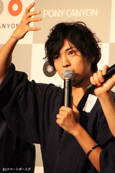 「坊主になってからは髪がある時の3倍くらいのテンションで演じてました。髪は城のパワーの源だったみたい」と、桐山さん