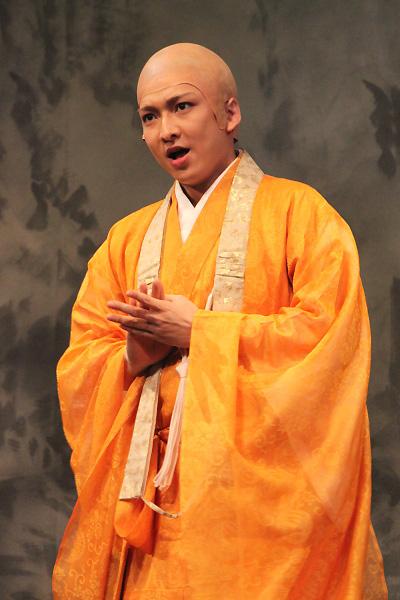 金々腹寺の僧侶・貞奉(ていほう)役の佐々木喜英さん