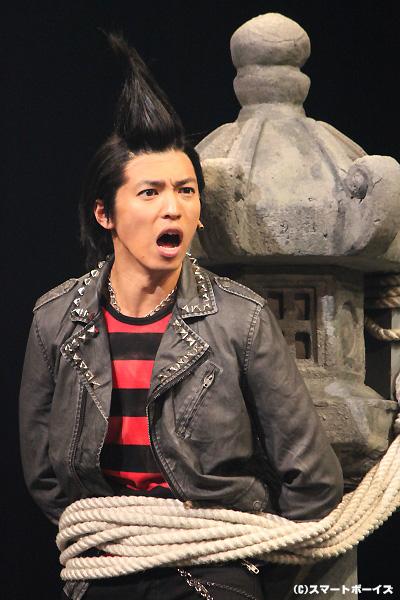 ドラマ版とはまた違ったパンクヘアで、観客の度肝を抜いてみせた桐山漣さん