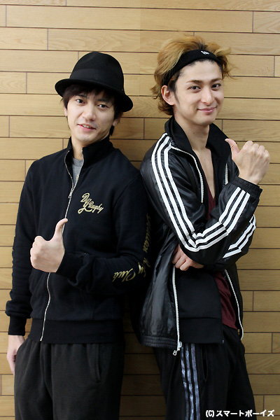 中河内雅貴さん(左)と古川雄大さん