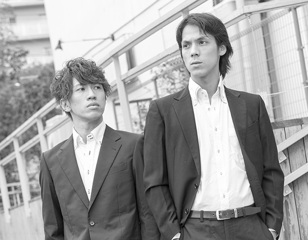 高橋紳輔さん(左)とヨウスケ・クロフォードさんがユニット結成!