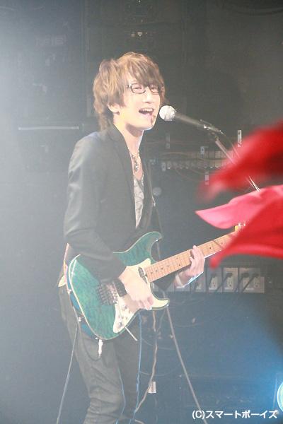 新加入、ギターのKohei