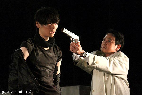 君島刑事(野村宏伸さん)が窃盗団を追う理由は? そして真相が分かった時に彼が取った行動とは?
