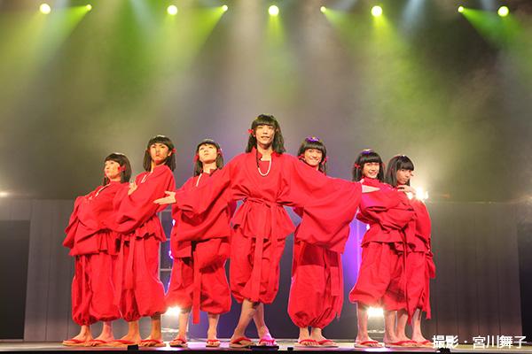 """人の悪口を聞くとどこからともなくやってくる京都大好きな""""かむろ・8(カムロ・エイト)""""。いちごう~ななごうまで、そっくりな7人組(笑)。「かむろがいくで~!!」"""