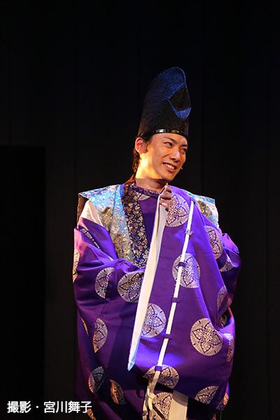 公家言葉で笑いを誘うも、いざというシーンではピリリと引き締めていた兼崎健太郎さん
