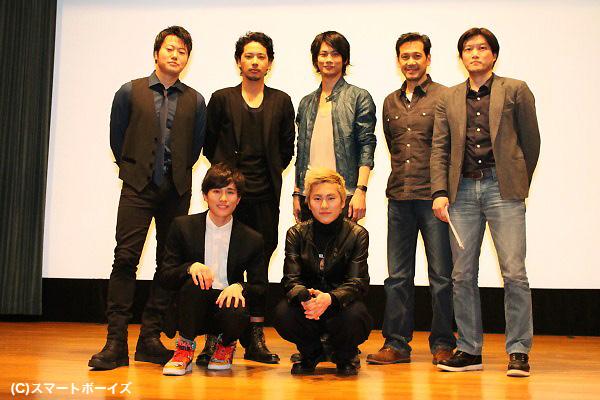 (後列左より)遠藤要さん、佐藤祐基さん、馬場良馬さん、四方堂亘さん、谷 健二監督 (前列左より)寺坂尚呂己さん、泉大智さん