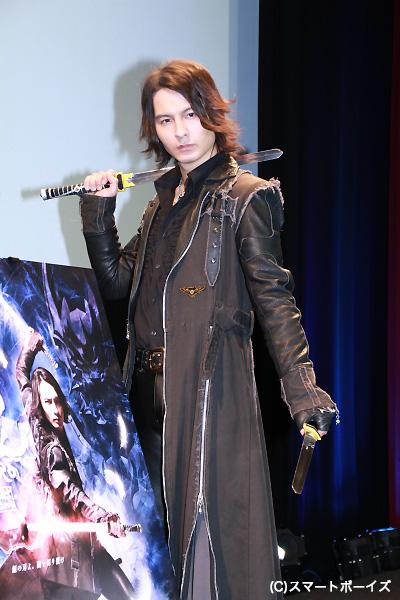 藤田さんはバンド・DUSTZのボーカルとして、EDテーマ曲も担当