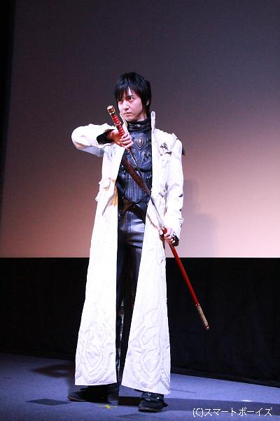 魔戒騎士の白いコートが超似合っていました!