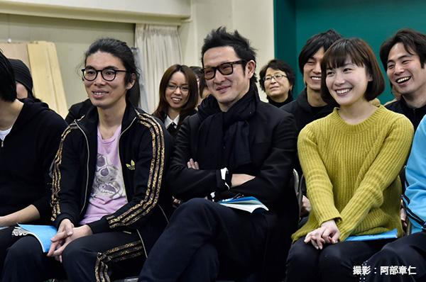 初顔合わせから笑顔がこぼれる中村獅童さんと片桐仁さん