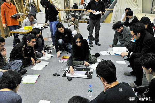 辻仁成さんが中心となって、俳優陣と熱い会話が交わされました