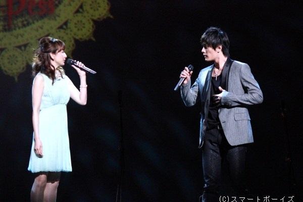 加藤和樹さんと花總まりさんと(レディ・ベス役/Wキャスト)による『誰でも歌える』は、とてもキュートな曲