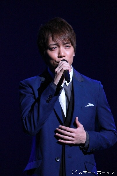 ロビンのベスへの想いを歌った『何故好きなのか?』では、山崎育三郎さん(ロビン役/Wキャスト)の甘い歌声にウットリ…