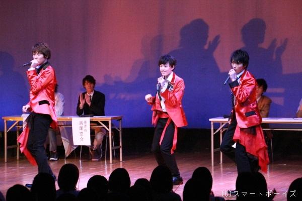 それぞれがセンターで渾身のパフォーマンスを披露。まずは上村海成さんver!