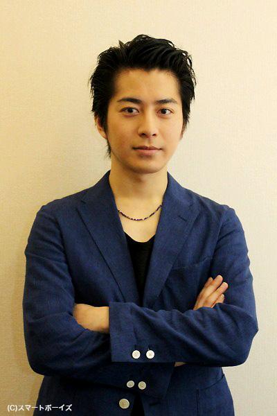「撮影が終わるまで笑顔にならない」と決意し、撮影に挑んだ村井さん
