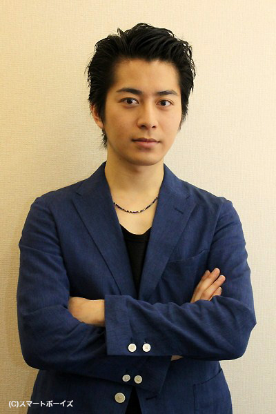 「共演者には暗い人と思われていたかも……(苦笑)」と語る村井さん