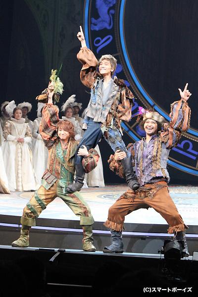 (写真左より)寺元健一郎さん、平間壮一さん、加藤潤一さん