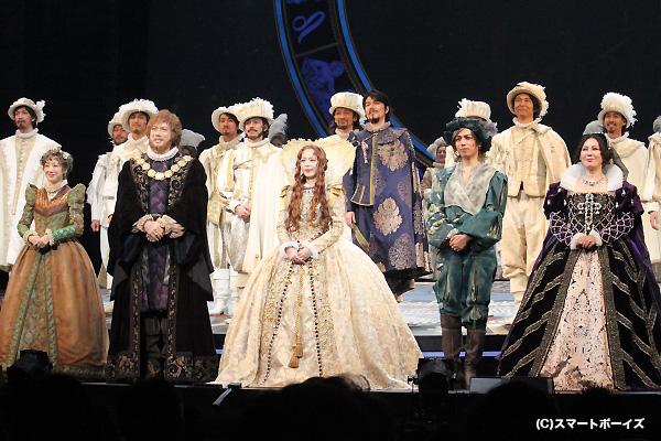 全世界に先駆け帝国劇場で開幕! キャストの皆さんの笑顔も誇らしげでした