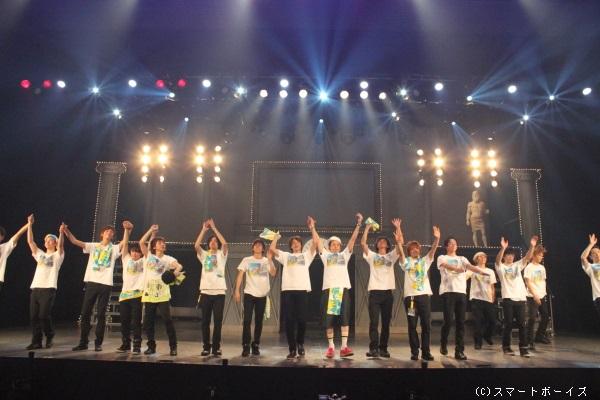 D-BOYSの歴史がすべてつめ込まれたステージ!