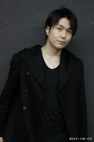 劇団「流線型ピーナッツ」主宰・鹿賀修一(かが しゅういち)役の大山真志さん