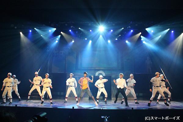歌あり、ダンスあり、お芝居ありのエンターテインメントショー!