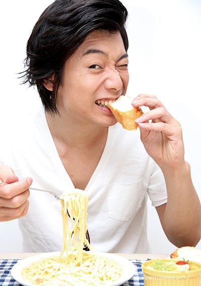 兼崎健太郎 画像を見る限り、作るよりも食べる方の担当(?)