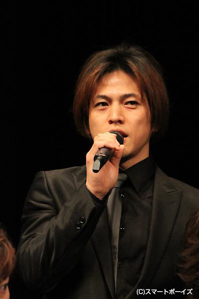 茶谷四郎次郎役の市瀬秀和さん。「今回は、ガッツリ悪い役です」と、ニヤリ