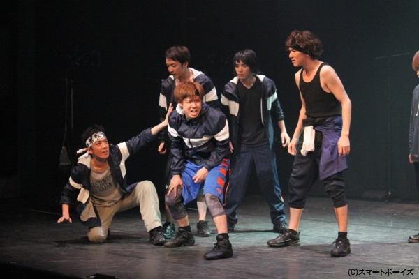 新撰組隊士役の桑野晃輔さん、山下翔央さん、大久保祥太郎さんも体当たりの熱演!