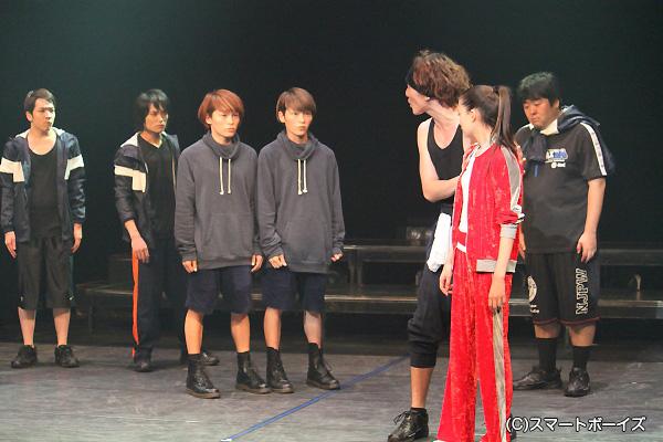 京の街に出て来た沖田は、土方の計らいで新撰組に入隊することに