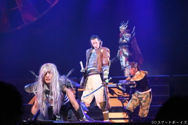 吉田友一の片倉小十郎(中央)と村田洋二郎の猿飛佐助(右)も最後の勇姿!