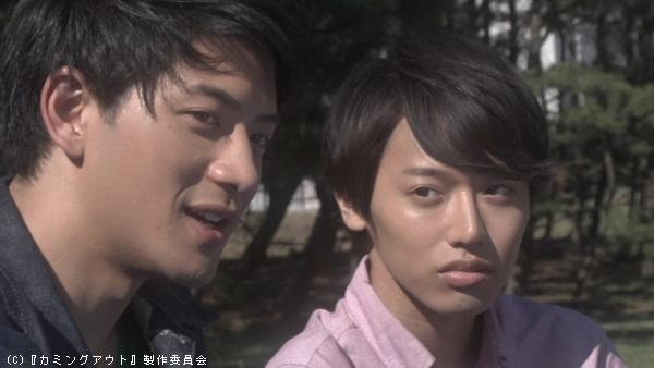 緑川昇役の岡村優さん(左)と髙橋さん