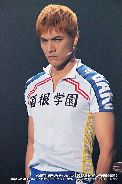 箱根学園自転車競技部主将・福富寿一役の滝川英治さん