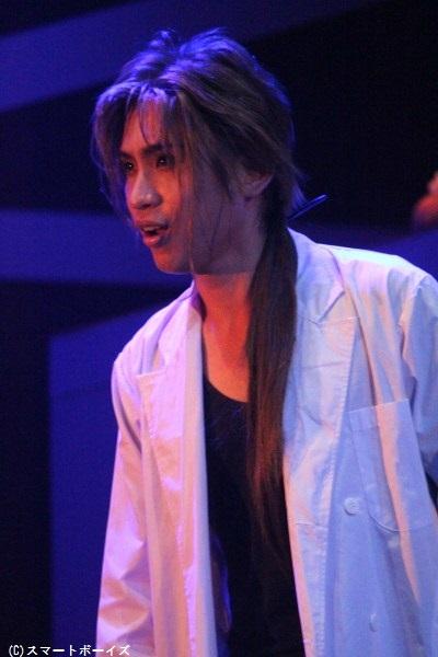 葛城志弩役の來河侑希さん「サルサのバックボーンを作る重要なポジションとして、徹底的に嫌われ役を全うしたいと思います(笑)」