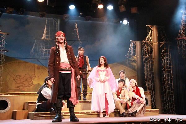 高木万平演じるライド率いる海賊