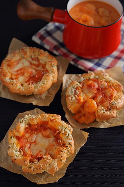 海老のトマトクリームシチューパン