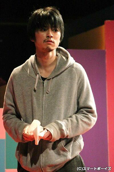 大村学さんの屈折した謎の男の演技は鳥肌モノでした!